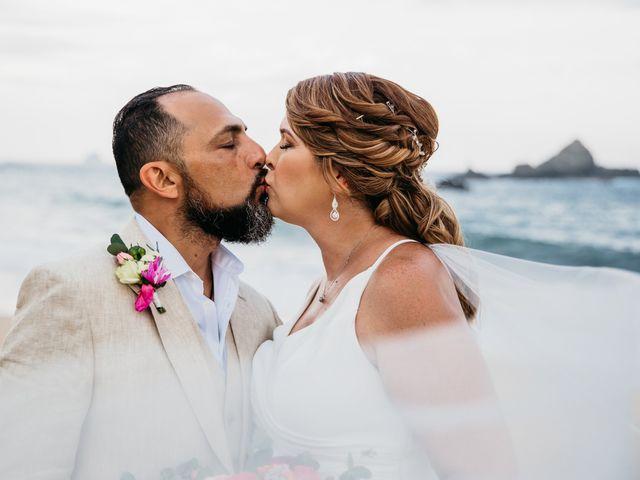 La boda de Joel y Sony en Huatulco, Oaxaca 42