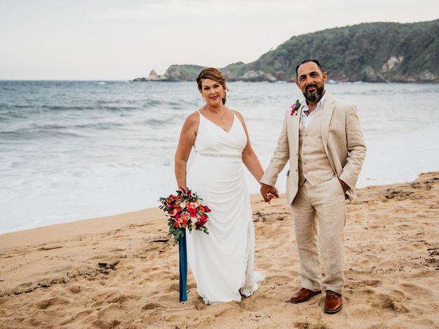 La boda de Joel y Sony en Huatulco, Oaxaca 47