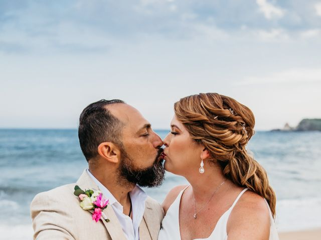 La boda de Joel y Sony en Huatulco, Oaxaca 50