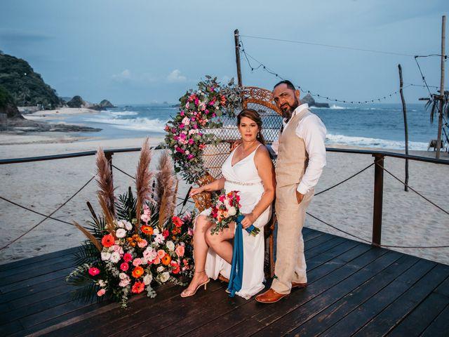La boda de Joel y Sony en Huatulco, Oaxaca 71