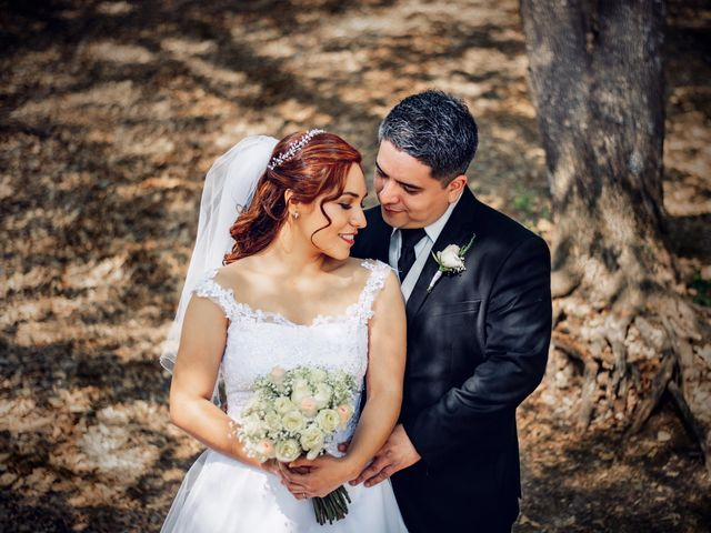 La boda de Nairobi y Abraham