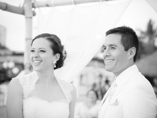 La boda de Christian y Araceli en Puerto Vallarta, Jalisco 33