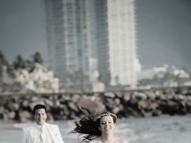 La boda de Christian y Araceli en Puerto Vallarta, Jalisco 54