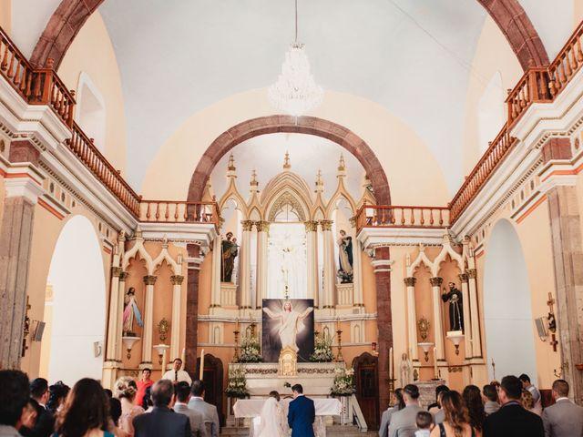 La boda de Pablo y Estefanía en Jocotepec, Jalisco 345
