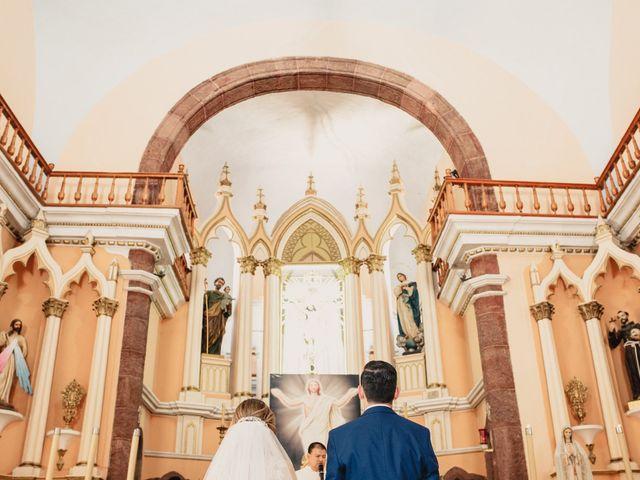 La boda de Pablo y Estefanía en Jocotepec, Jalisco 407