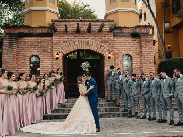 La boda de Pablo y Estefanía en Jocotepec, Jalisco 527