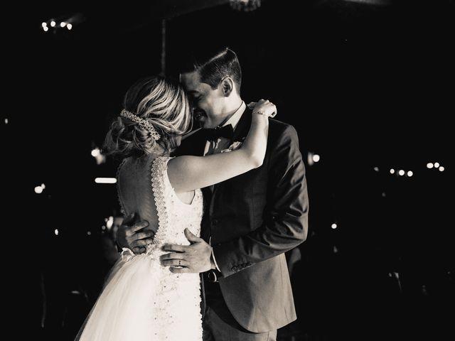 La boda de Pablo y Estefanía en Jocotepec, Jalisco 561
