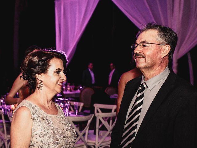 La boda de Pablo y Estefanía en Jocotepec, Jalisco 583