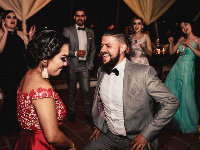 La boda de Pablo y Estefanía en Jocotepec, Jalisco 593