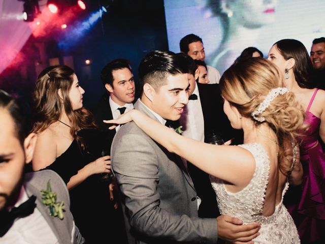 La boda de Pablo y Estefanía en Jocotepec, Jalisco 722