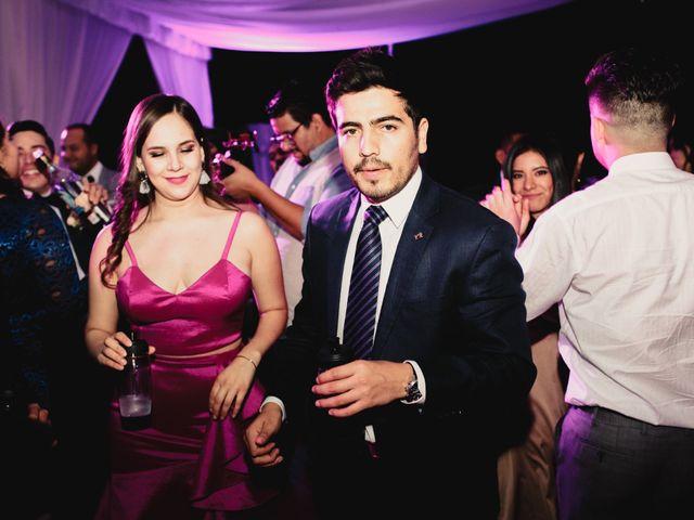 La boda de Pablo y Estefanía en Jocotepec, Jalisco 725