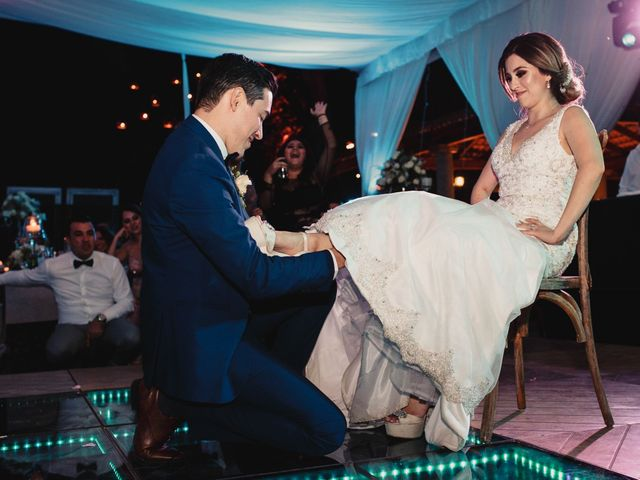La boda de Pablo y Estefanía en Jocotepec, Jalisco 883