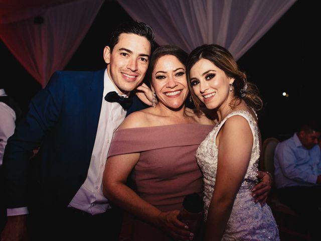La boda de Pablo y Estefanía en Jocotepec, Jalisco 932