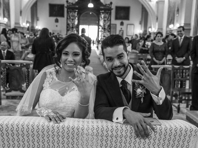 La boda de Carlos y Esthela en Pátzcuaro, Michoacán 29