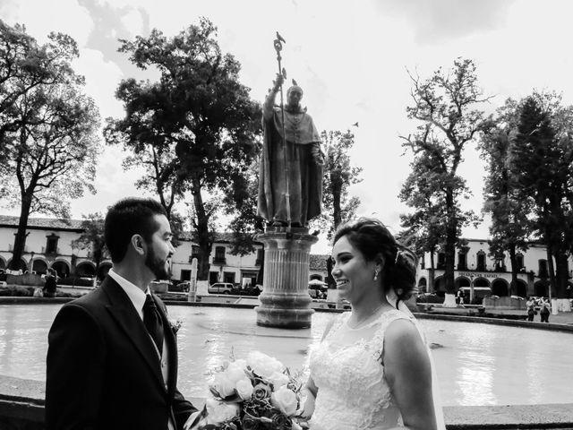 La boda de Carlos y Esthela en Pátzcuaro, Michoacán 33