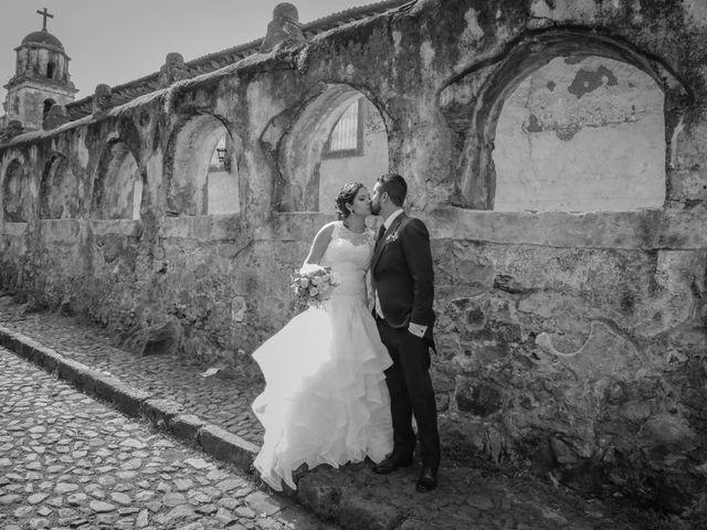 La boda de Carlos y Esthela en Pátzcuaro, Michoacán 37