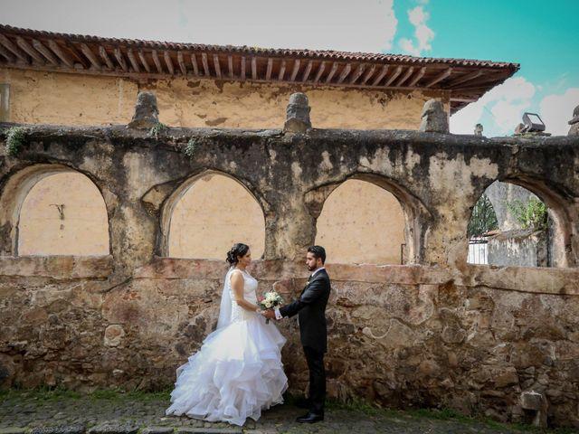 La boda de Carlos y Esthela en Pátzcuaro, Michoacán 38