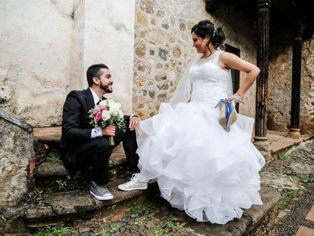 La boda de Carlos y Esthela en Pátzcuaro, Michoacán 42