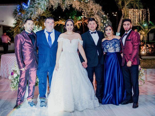 La boda de Emilio y Yareli en Mazatlán, Sinaloa 5