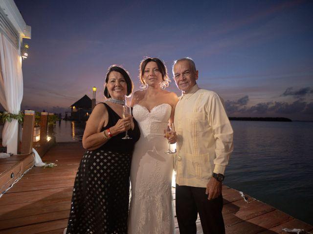 La boda de Alejandro y Elena en Cancún, Quintana Roo 24