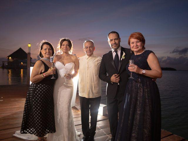 La boda de Alejandro y Elena en Cancún, Quintana Roo 26