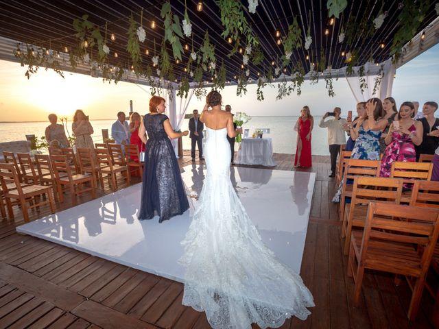 La boda de Alejandro y Elena en Cancún, Quintana Roo 32