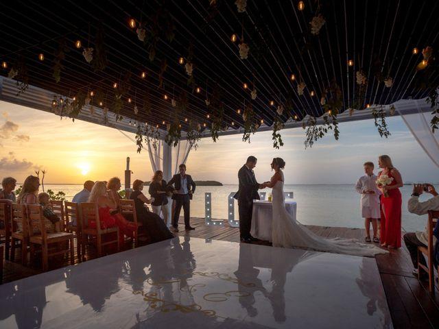 La boda de Alejandro y Elena en Cancún, Quintana Roo 33