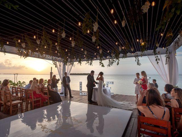 La boda de Alejandro y Elena en Cancún, Quintana Roo 34