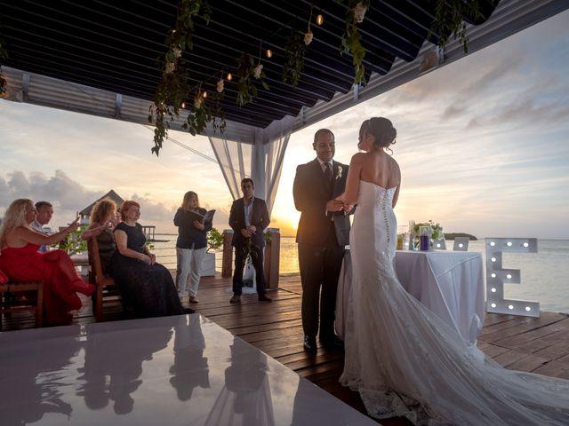 La boda de Alejandro y Elena en Cancún, Quintana Roo 35