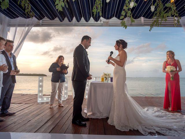 La boda de Alejandro y Elena en Cancún, Quintana Roo 36