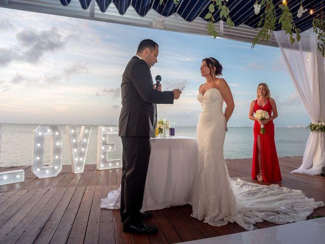 La boda de Alejandro y Elena en Cancún, Quintana Roo 37