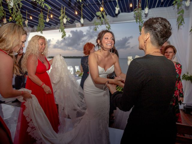 La boda de Alejandro y Elena en Cancún, Quintana Roo 42