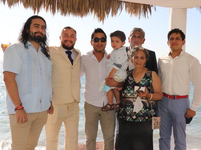 La boda de Gerardo y Elizabeth en Puerto Vallarta, Jalisco 10