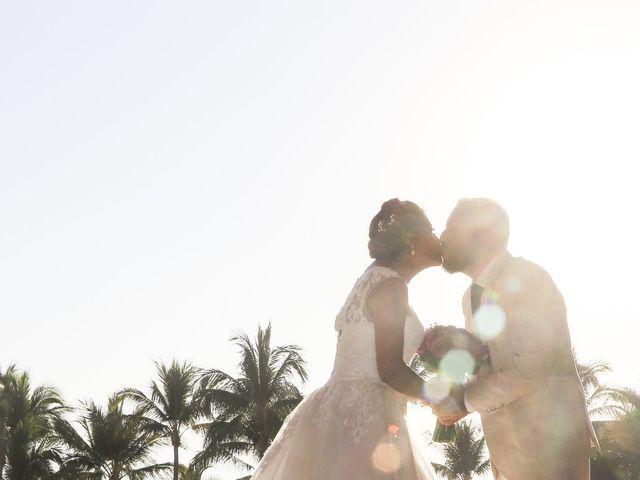 La boda de Gerardo y Elizabeth en Puerto Vallarta, Jalisco 11