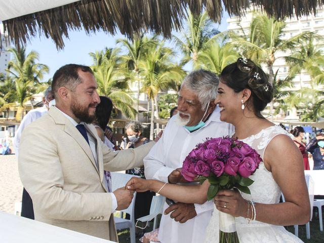 La boda de Gerardo y Elizabeth en Puerto Vallarta, Jalisco 12