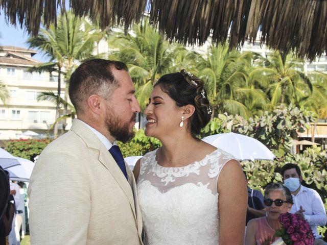 La boda de Gerardo y Elizabeth en Puerto Vallarta, Jalisco 15