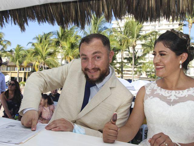 La boda de Gerardo y Elizabeth en Puerto Vallarta, Jalisco 16