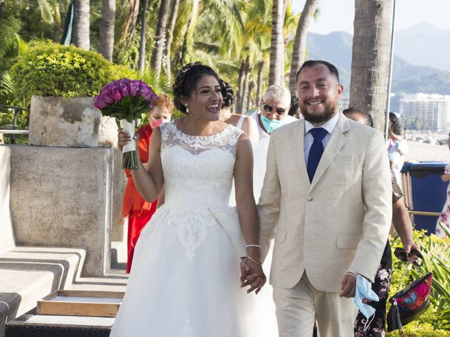 La boda de Gerardo y Elizabeth en Puerto Vallarta, Jalisco 22