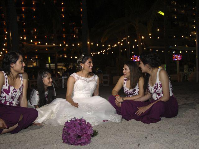 La boda de Gerardo y Elizabeth en Puerto Vallarta, Jalisco 26