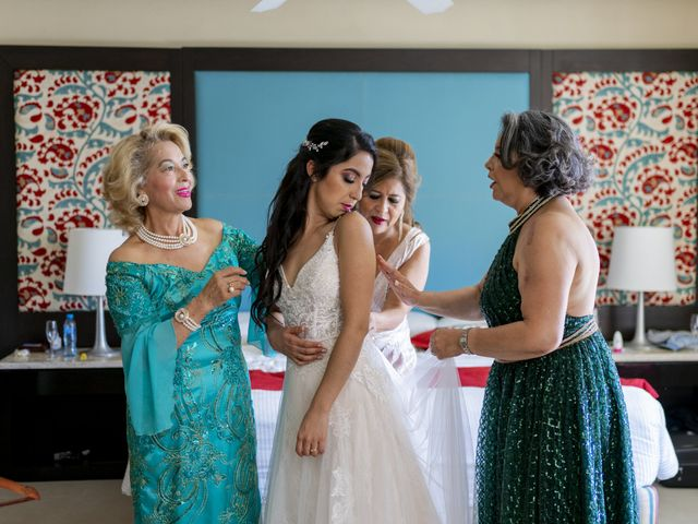 La boda de Adrián y Alejandra en Cancún, Quintana Roo 27