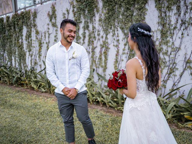 La boda de Adrián y Alejandra en Cancún, Quintana Roo 36