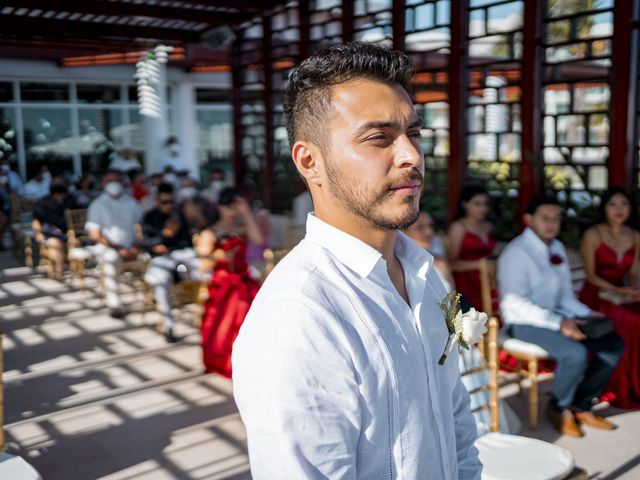 La boda de Adrián y Alejandra en Cancún, Quintana Roo 42