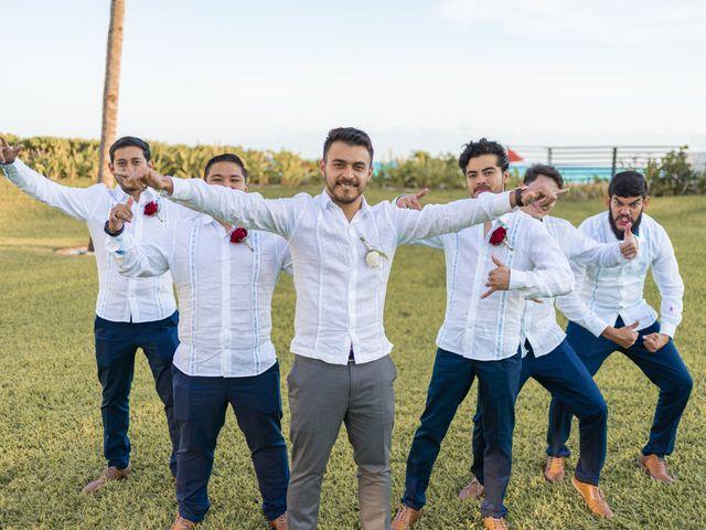 La boda de Adrián y Alejandra en Cancún, Quintana Roo 67