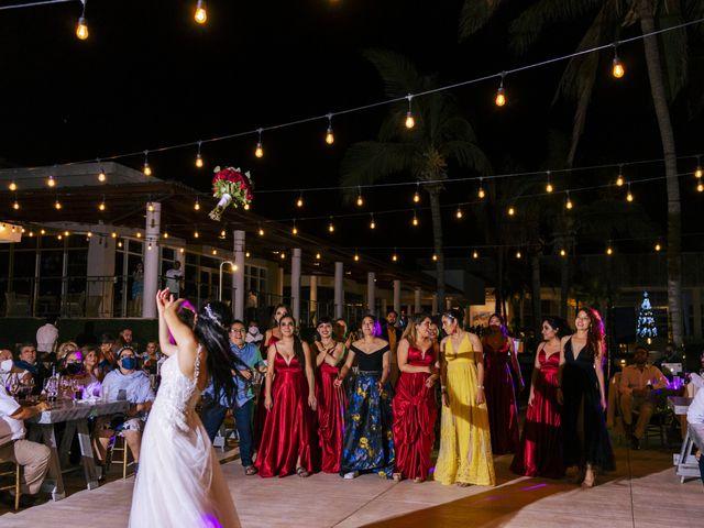 La boda de Adrián y Alejandra en Cancún, Quintana Roo 108