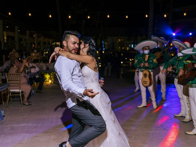 La boda de Adrián y Alejandra en Cancún, Quintana Roo 112