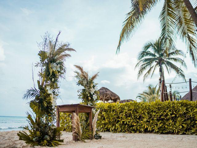 La boda de Fernando y Carmen en Playa del Carmen, Quintana Roo 31