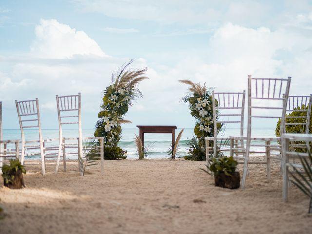 La boda de Fernando y Carmen en Playa del Carmen, Quintana Roo 32
