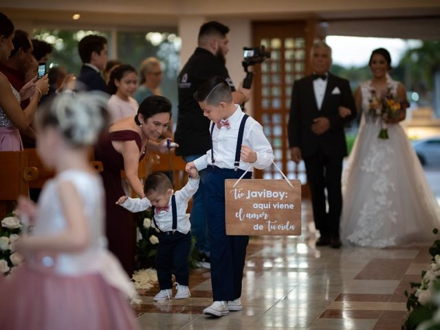 La boda de Javier y Paulina en Cancún, Quintana Roo 22