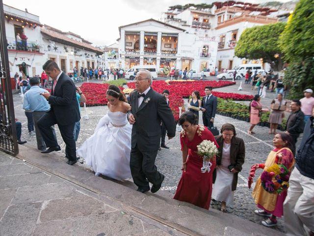 La boda de Tzulic y Denise en Taxco, Guerrero 33