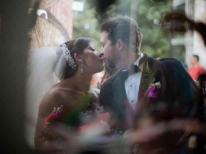La boda de Karla y James